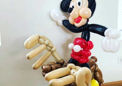 balloon-artists-for-hire-Sean-Rudd-Mr-Mouse-Moose