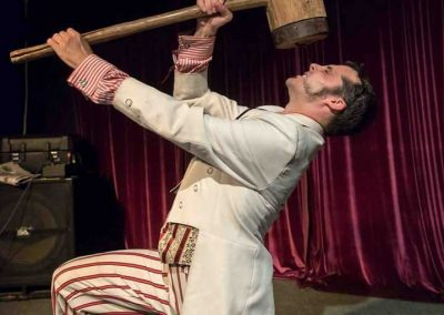 circus-performers-for-hire-Vourteque-sideshow
