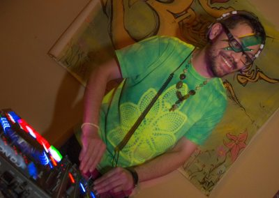 music-dj-for-hire-3